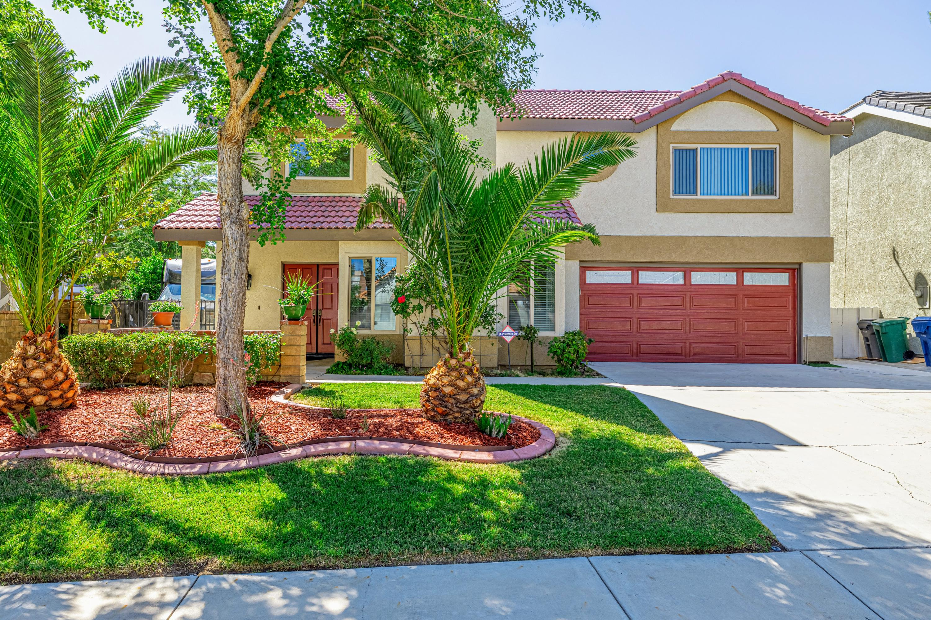 42910  Pearlwood Drive, Lancaster in Los Angeles County, CA 93536 Home for Sale