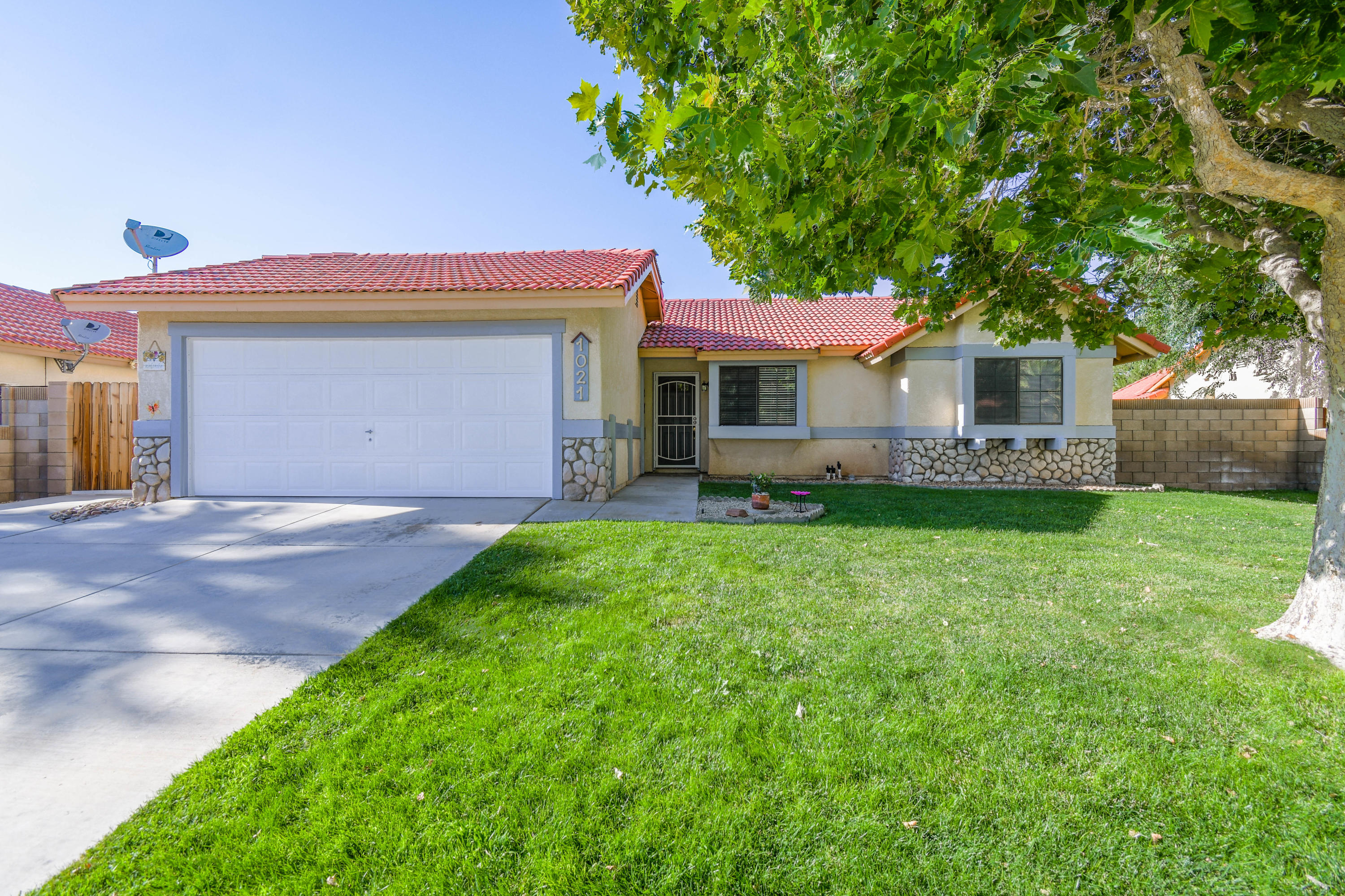 1021  Brianna Avenue, Lancaster in Los Angeles County, CA 93535 Home for Sale
