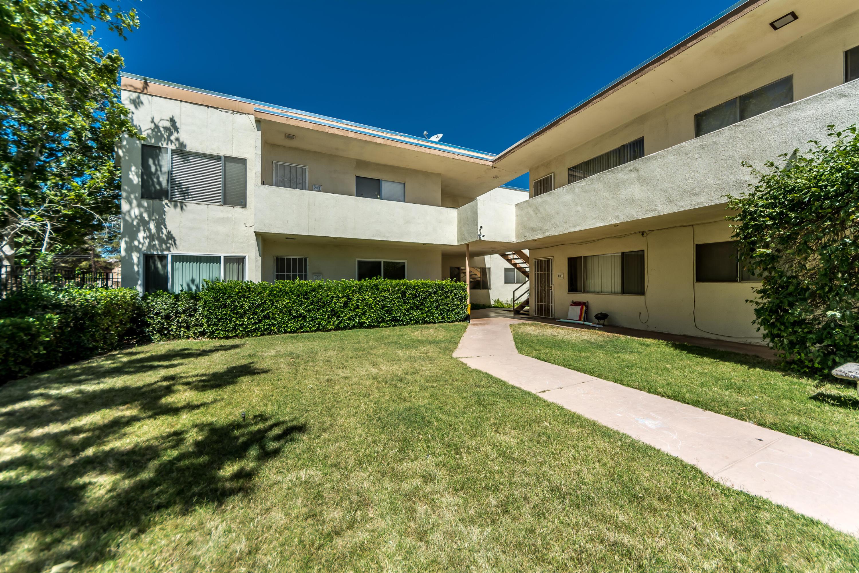 1341 W Avenue J4, Lancaster, California