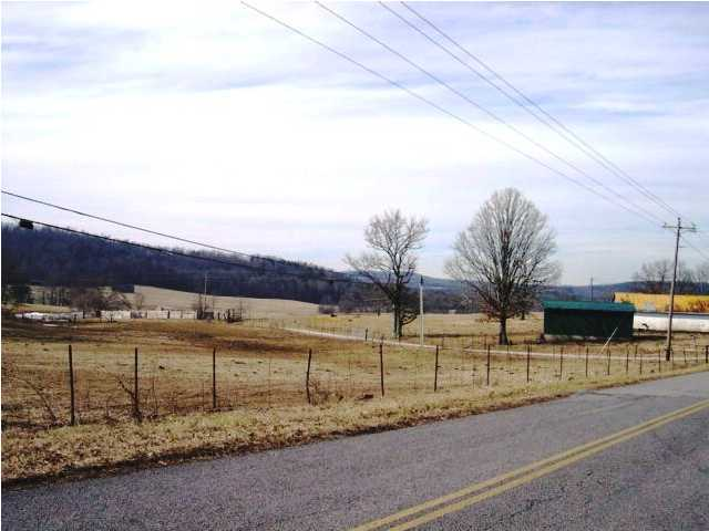 Photo of home for sale at 2 Brockdell, Pikeville TN