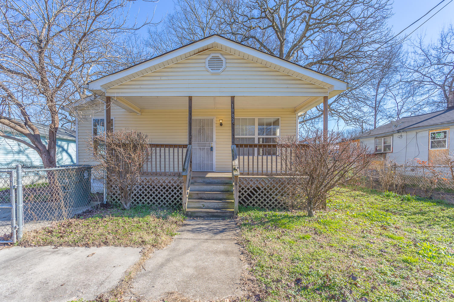 1902 S Orchard Knob  Ave, Chattanooga in Hamilton County, TN 37404 Home for Sale