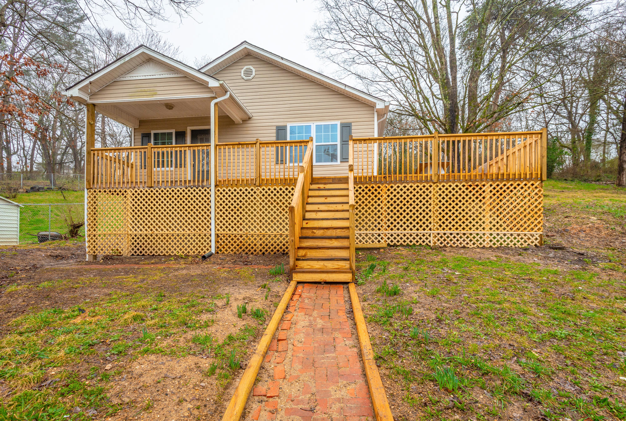 515  Hedgewood  Dr, Chattanooga in Hamilton County, TN 37405 Home for Sale
