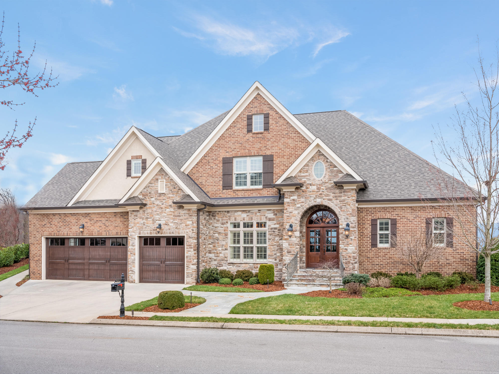 637  Hill Pointe  Ln, Chattanooga, Tennessee