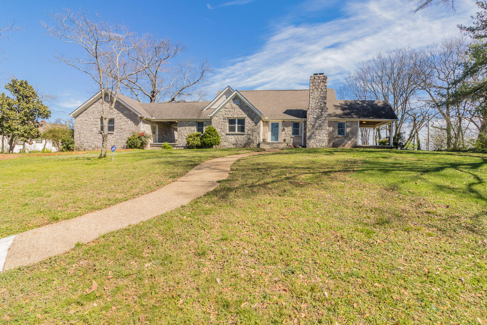 2709  Fairview  Dr, Chattanooga in Hamilton County, TN 37406 Home for Sale