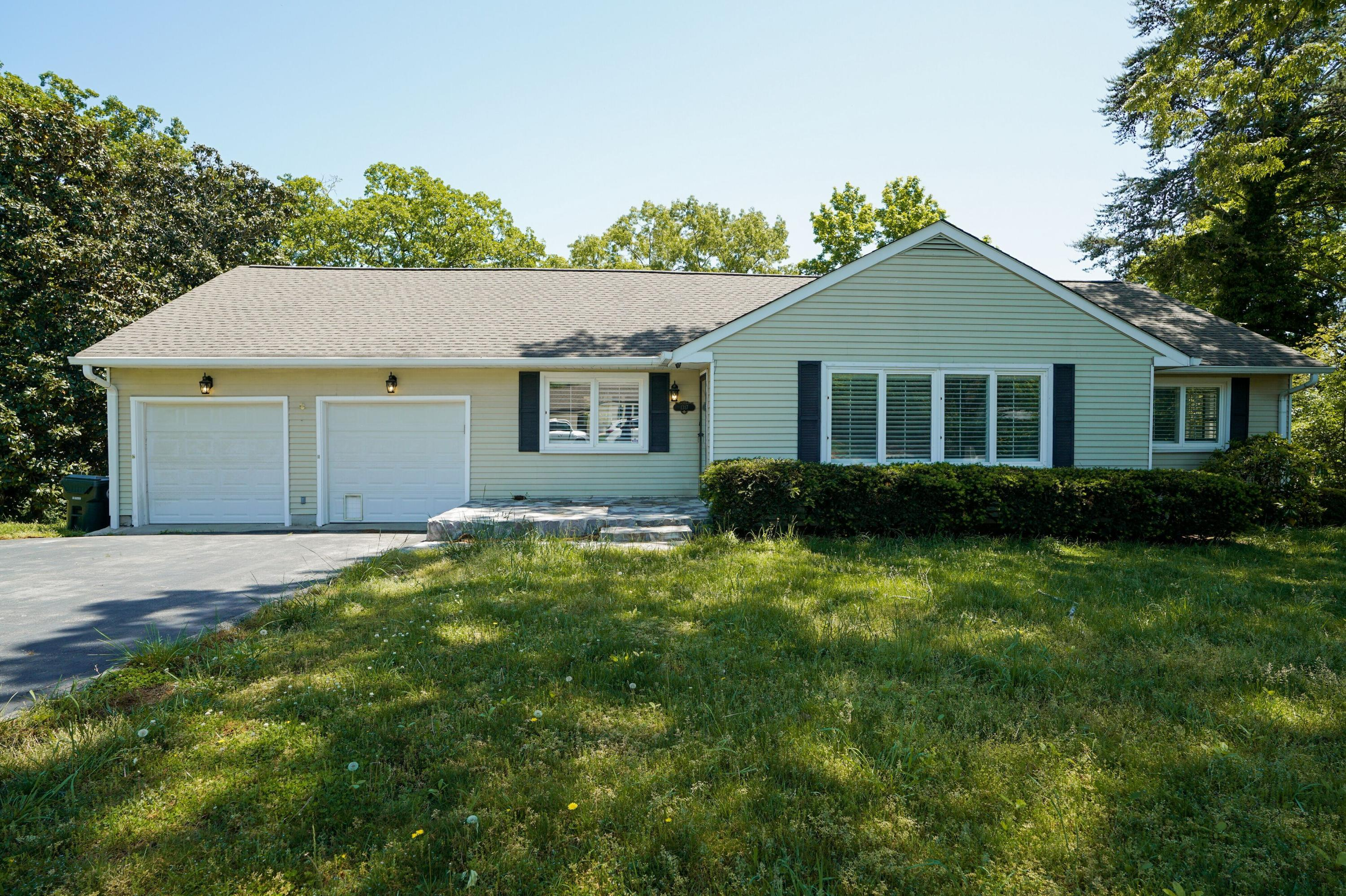 1317  Woodhill  Dr, Chattanooga, Tennessee