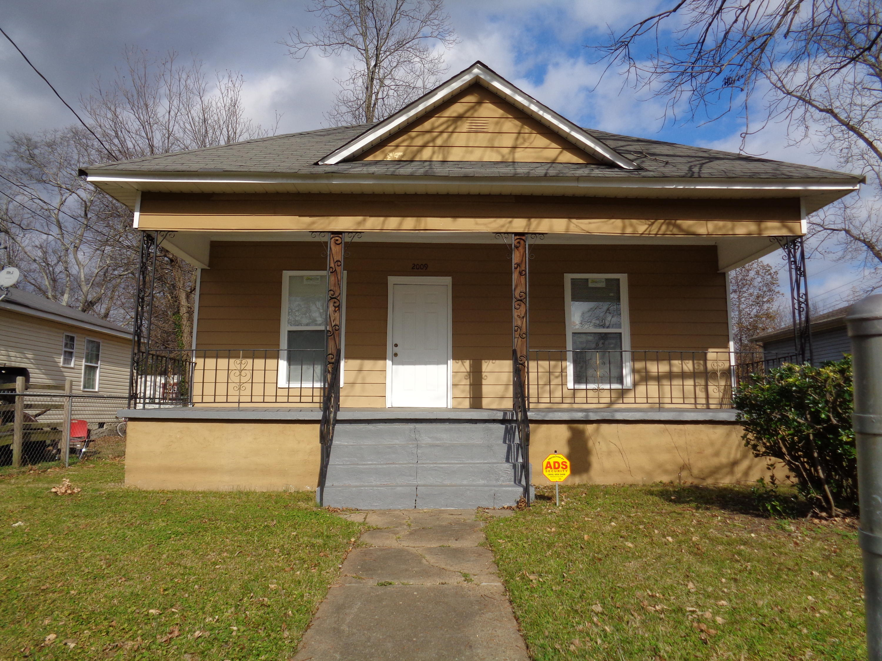 2009  Camden  St, Chattanooga in Hamilton County, TN 37406 Home for Sale