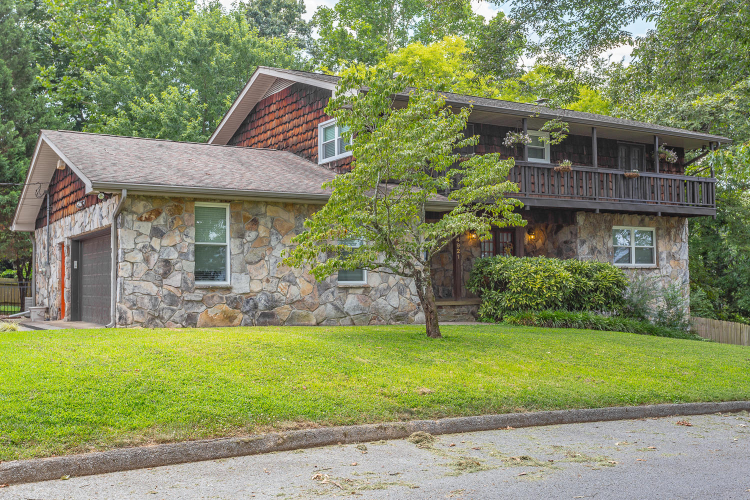 4921  Lake Haven  Dr, Chattanooga in Hamilton County, TN 37416 Home for Sale