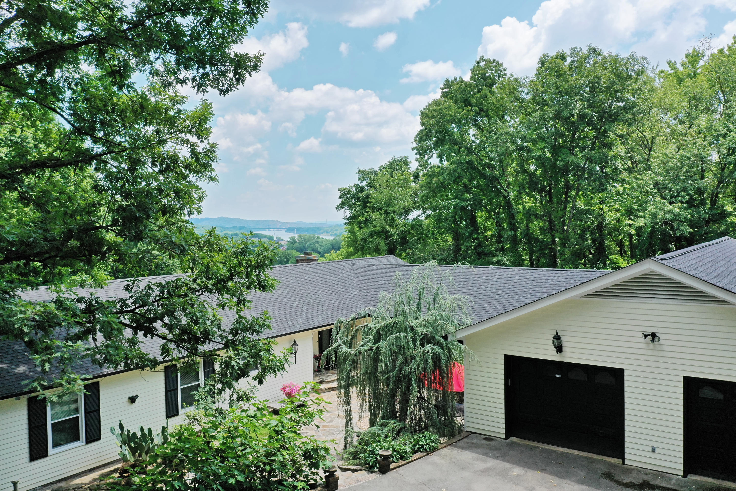 1100 S River Hills  Dr, Chattanooga, Tennessee