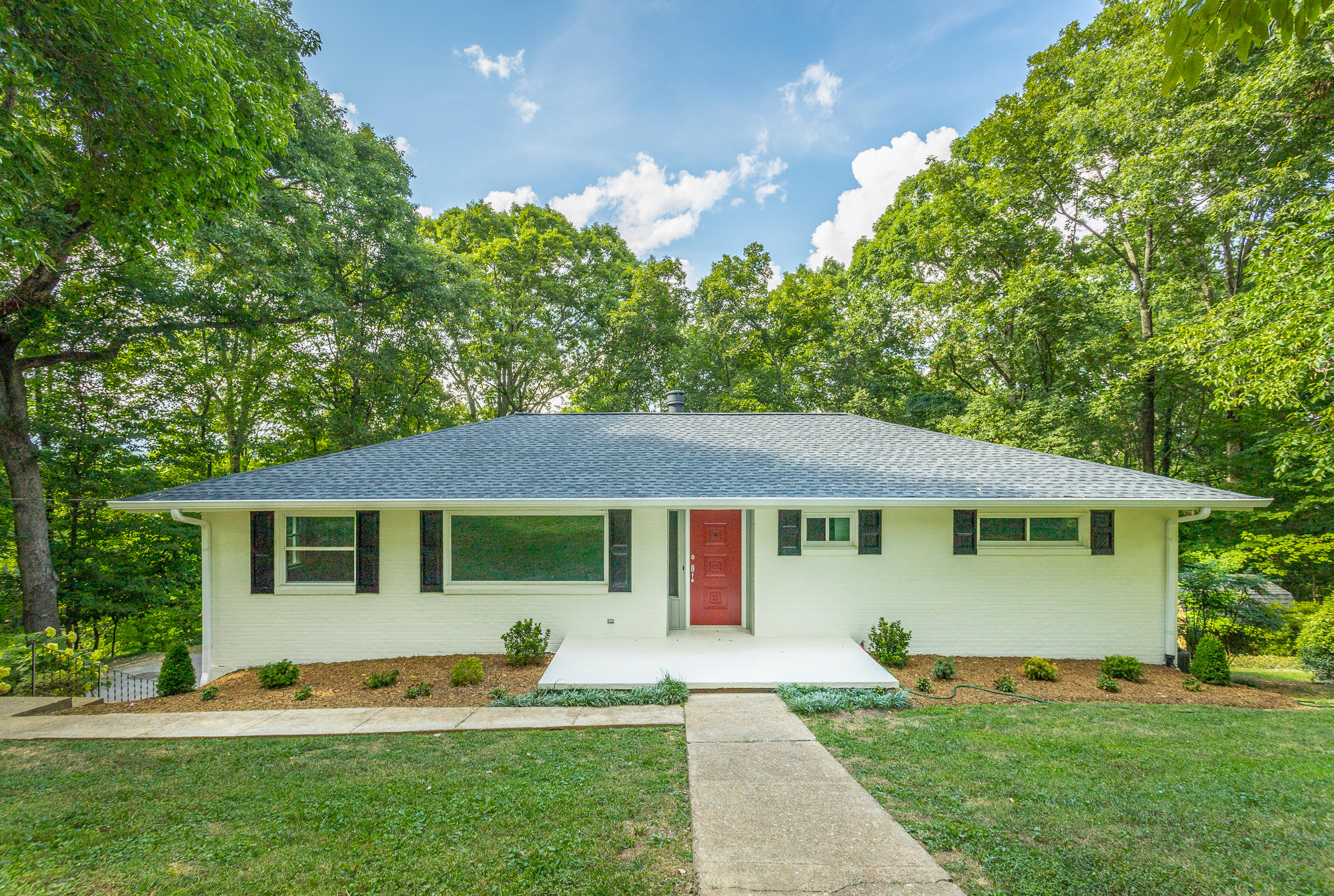 3751  Queens  Rd, Chattanooga in Hamilton County, TN 37416 Home for Sale