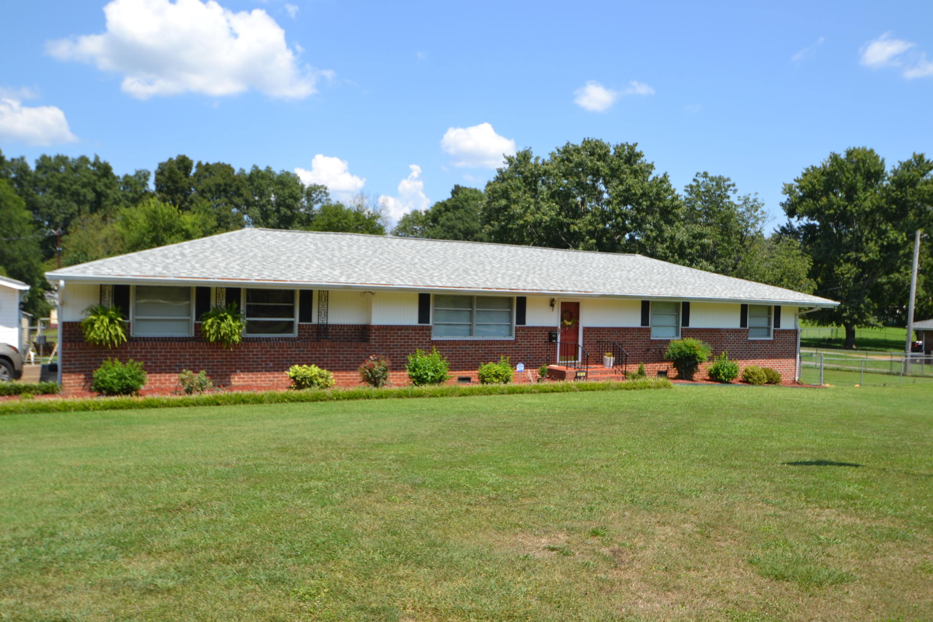 8015  Shallowford  Rd, Chattanooga, Tennessee