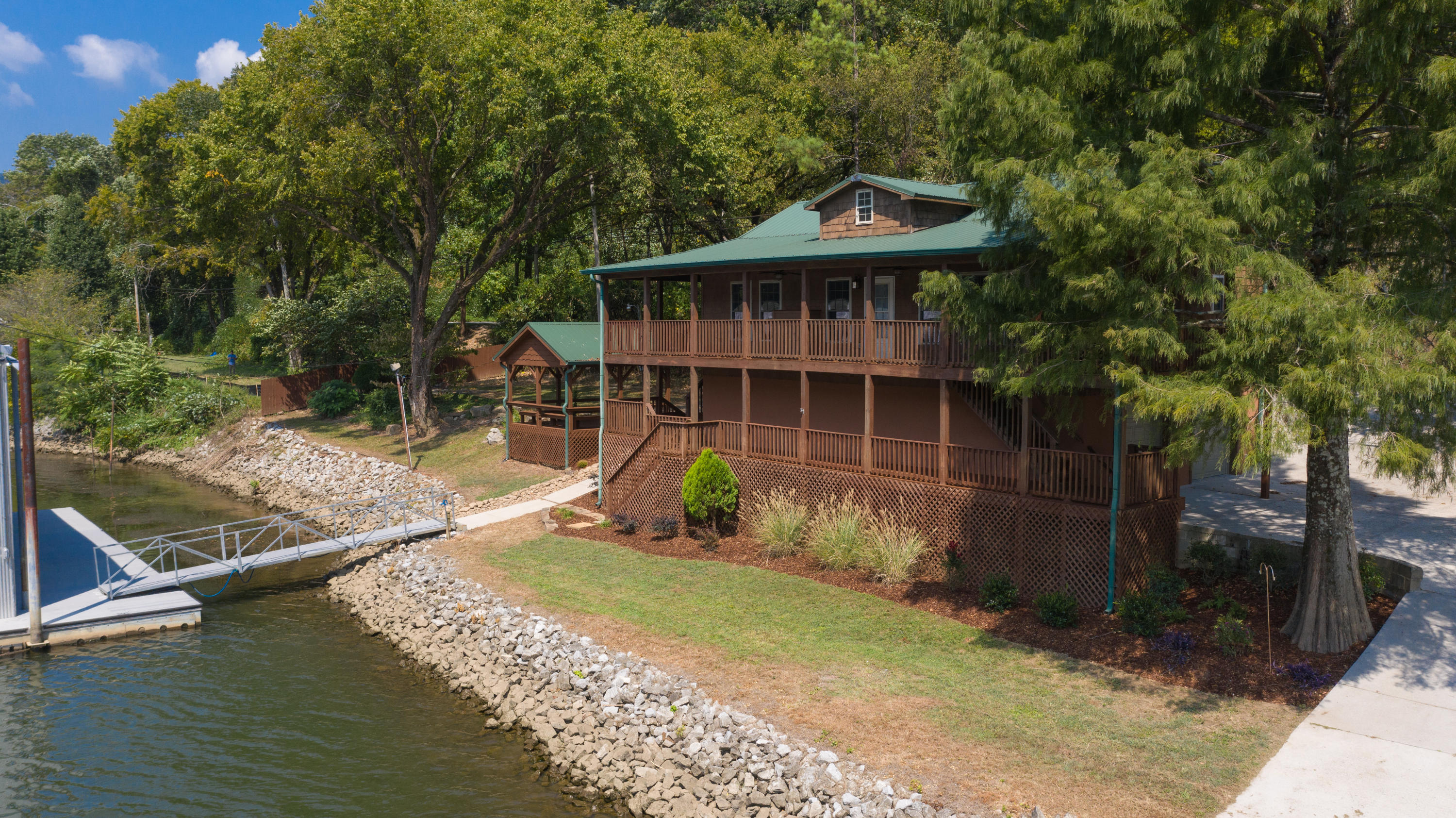2428  Suck Creek Rd  Rd, Chattanooga in Hamilton County, TN 37405 Home for Sale