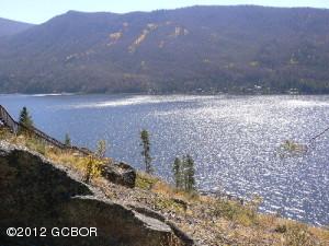 Spectacular Lake & Mountain Views!