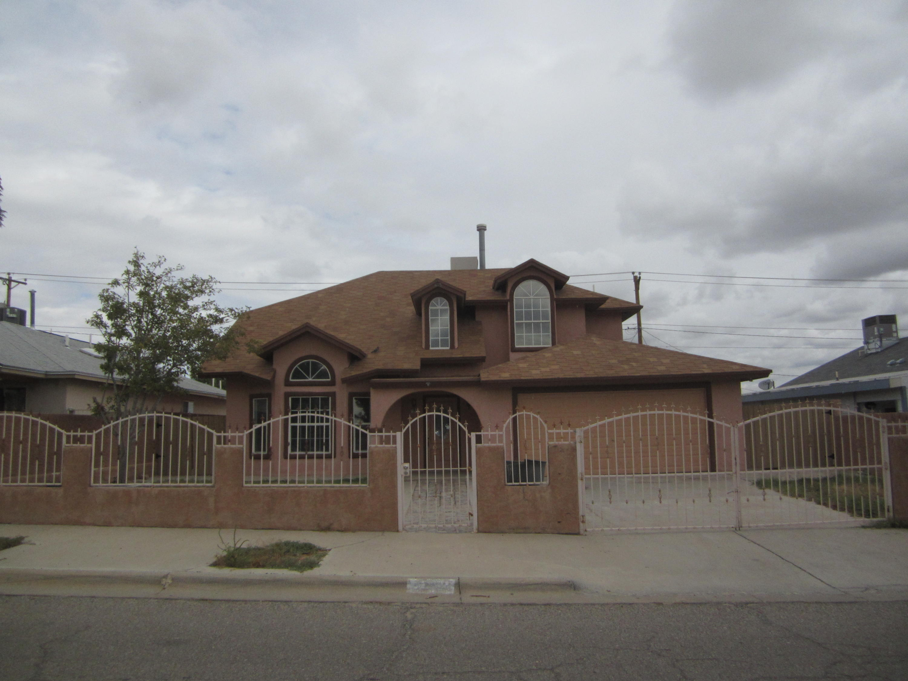 190 Aspen, Sunland Park, New Mexico 88063, 3 Bedrooms Bedrooms, ,3 BathroomsBathrooms,Residential,For sale,Aspen,817205