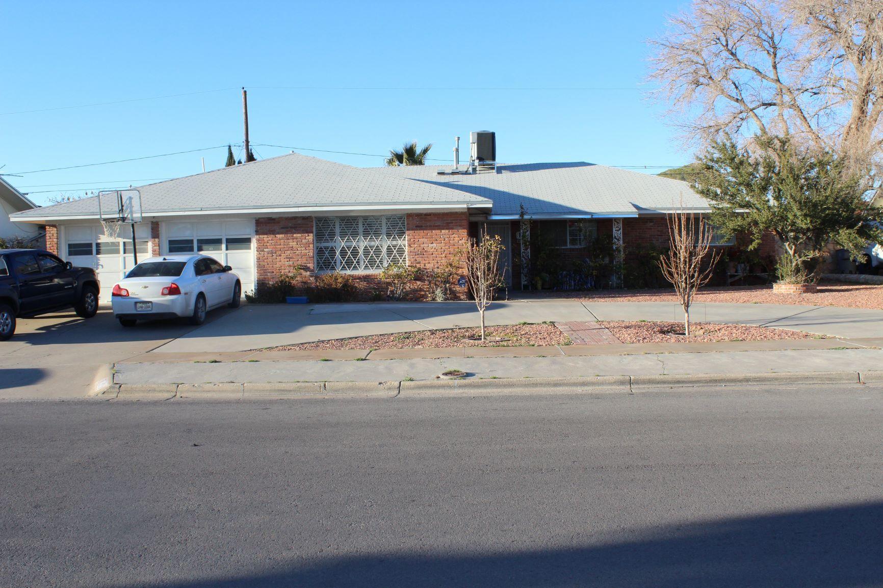 9913 Honolulu, El Paso, Texas 79925, 5 Bedrooms Bedrooms, ,3 BathroomsBathrooms,Residential,For sale,Honolulu,822142