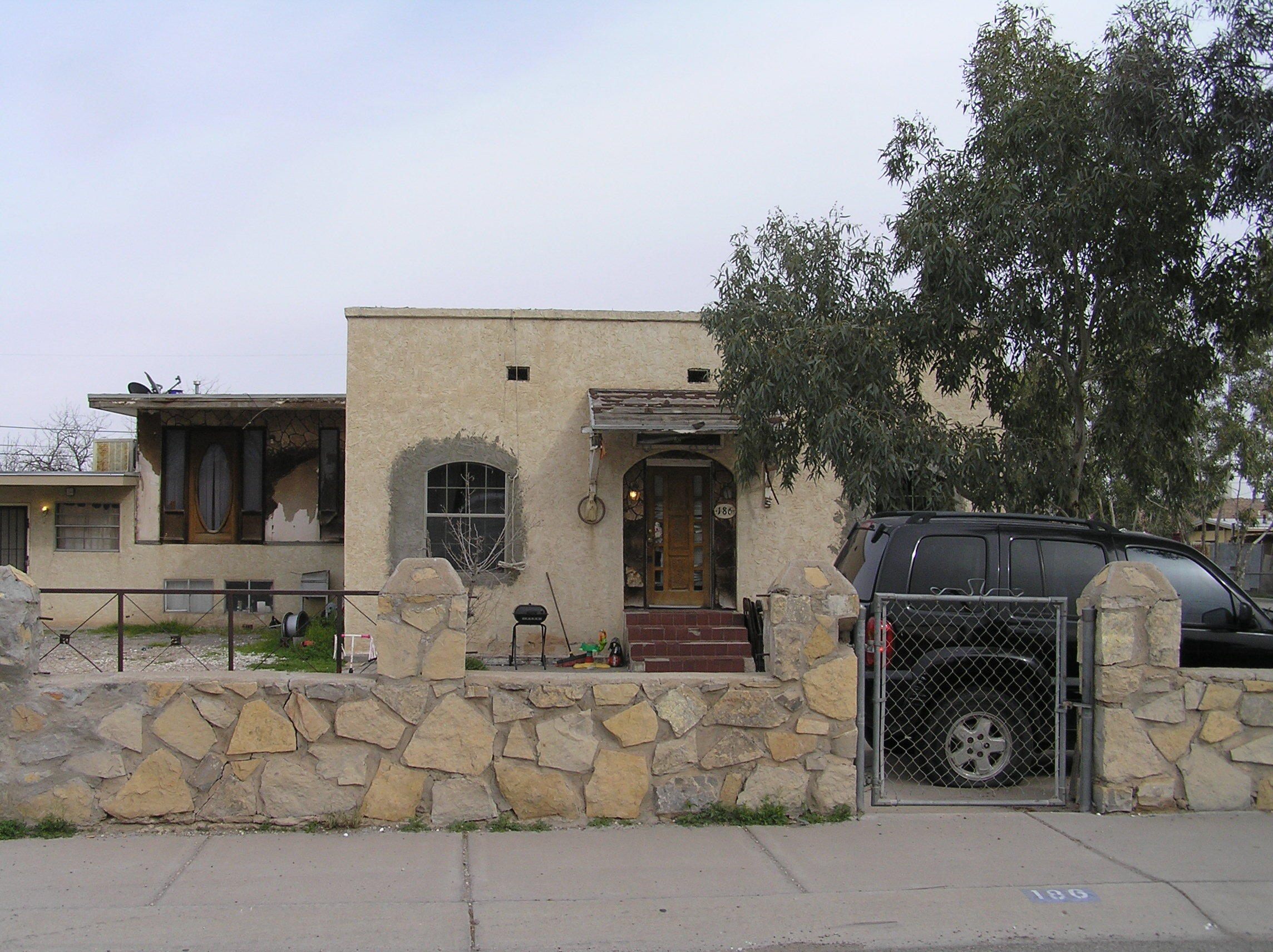 186 S.Collingsworth ST, El Paso, Texas 79905, 4 Bedrooms Bedrooms, ,3 BathroomsBathrooms,Residential,For sale,S.Collingsworth ST,823933