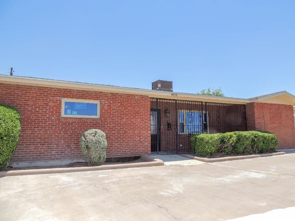 808 LOMALAND, El Paso, Texas 79907, 3 Bedrooms Bedrooms, ,2 BathroomsBathrooms,Residential,For sale,LOMALAND,828542