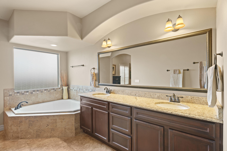 5827 Essex, Santa Teresa, New Mexico 88008, 4 Bedrooms Bedrooms, ,3 BathroomsBathrooms,Residential,For sale,Essex,831437