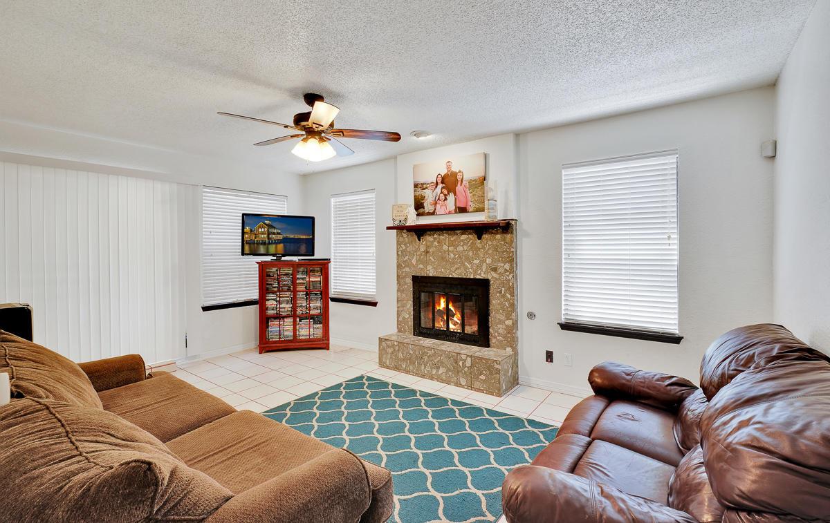 830 Dulce Tierra, El Paso, Texas 79912, 4 Bedrooms Bedrooms, ,3 BathroomsBathrooms,Residential,For sale,Dulce Tierra,831441