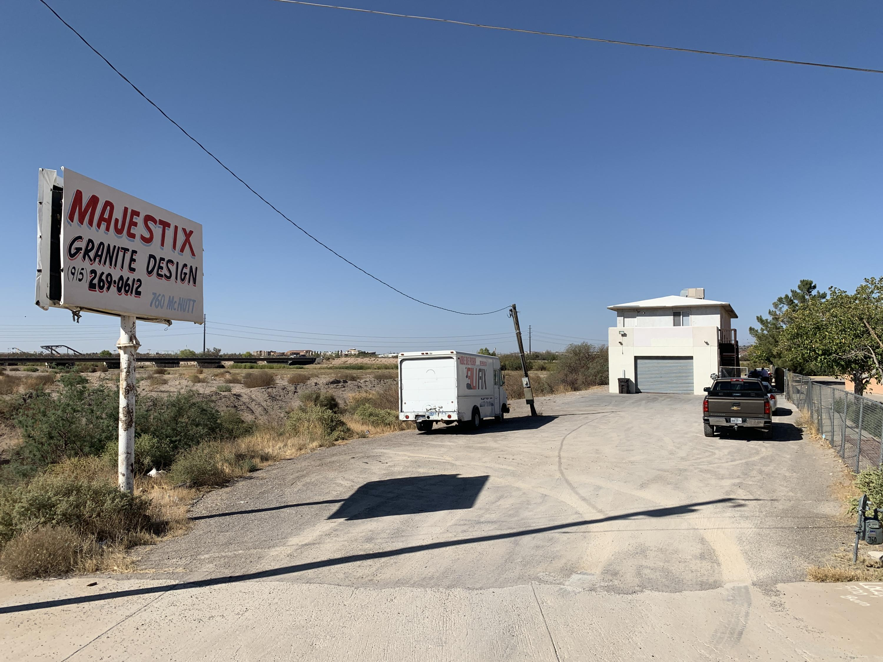 760 McNutt Road, Sunland Park, New Mexico 88063, ,Commercial,For sale,McNutt,836028
