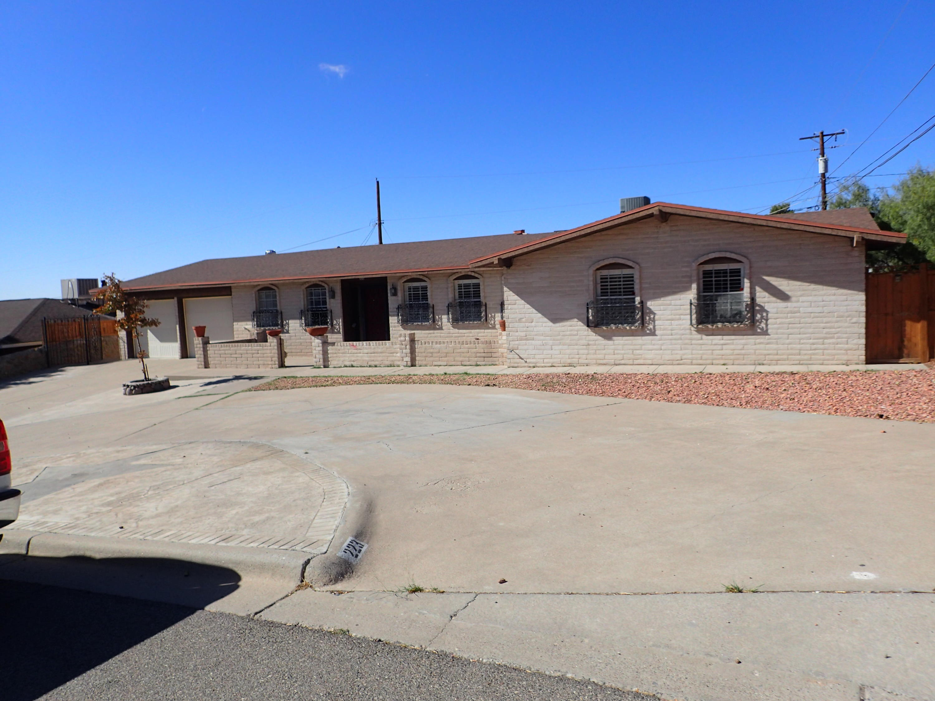 223 VISTA DEL REY, El Paso, Texas 79912, 5 Bedrooms Bedrooms, ,3 BathroomsBathrooms,Residential,For sale,VISTA DEL REY,836978
