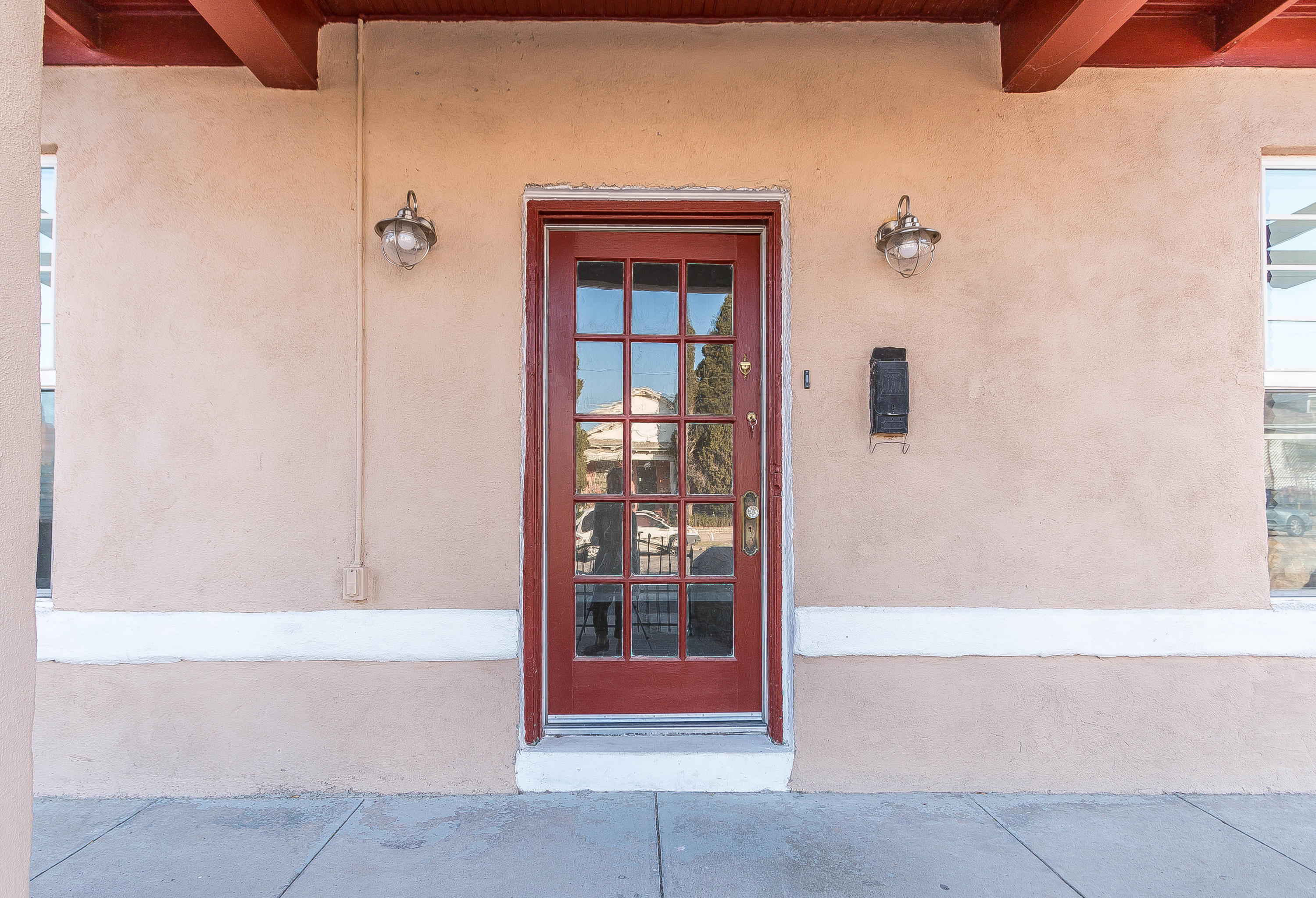 812 Mundy Drive, El Paso, Texas 79902, 3 Bedrooms Bedrooms, ,2 BathroomsBathrooms,Residential Rental,For Rent,Mundy,837305