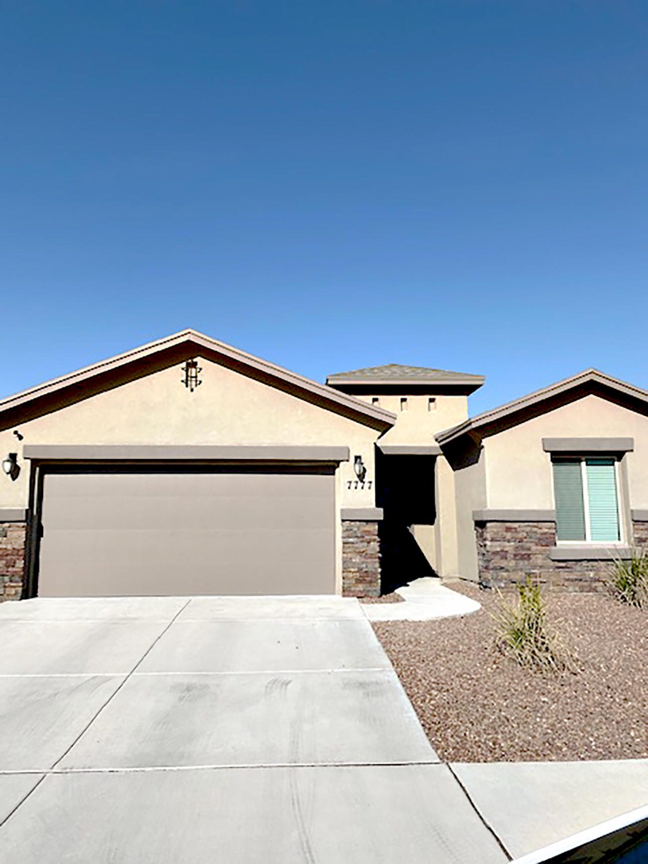 7777 Enchanted Ridge Dr Drive, El Paso, Texas 79911, 4 Bedrooms Bedrooms, ,2 BathroomsBathrooms,Residential Rental,For Rent,Enchanted Ridge Dr,837418
