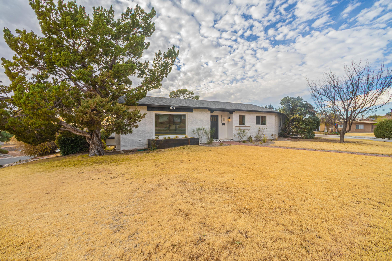 3701 LAGUNA, El Paso, Texas 79902, 5 Bedrooms Bedrooms, ,4 BathroomsBathrooms,Residential,For sale,LAGUNA,838715