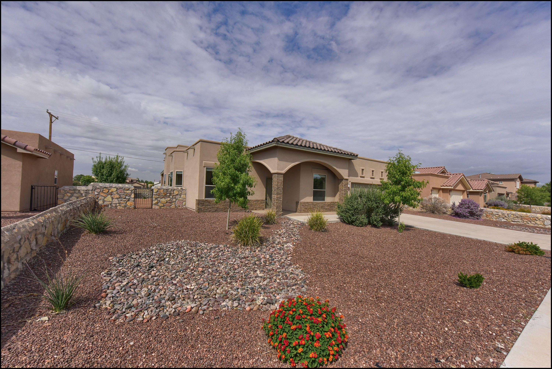 5625 VALLEY MAPLE Drive, El Paso, Texas 79932, 4 Bedrooms Bedrooms, ,2 BathroomsBathrooms,Residential Rental,For Rent,VALLEY MAPLE,839814