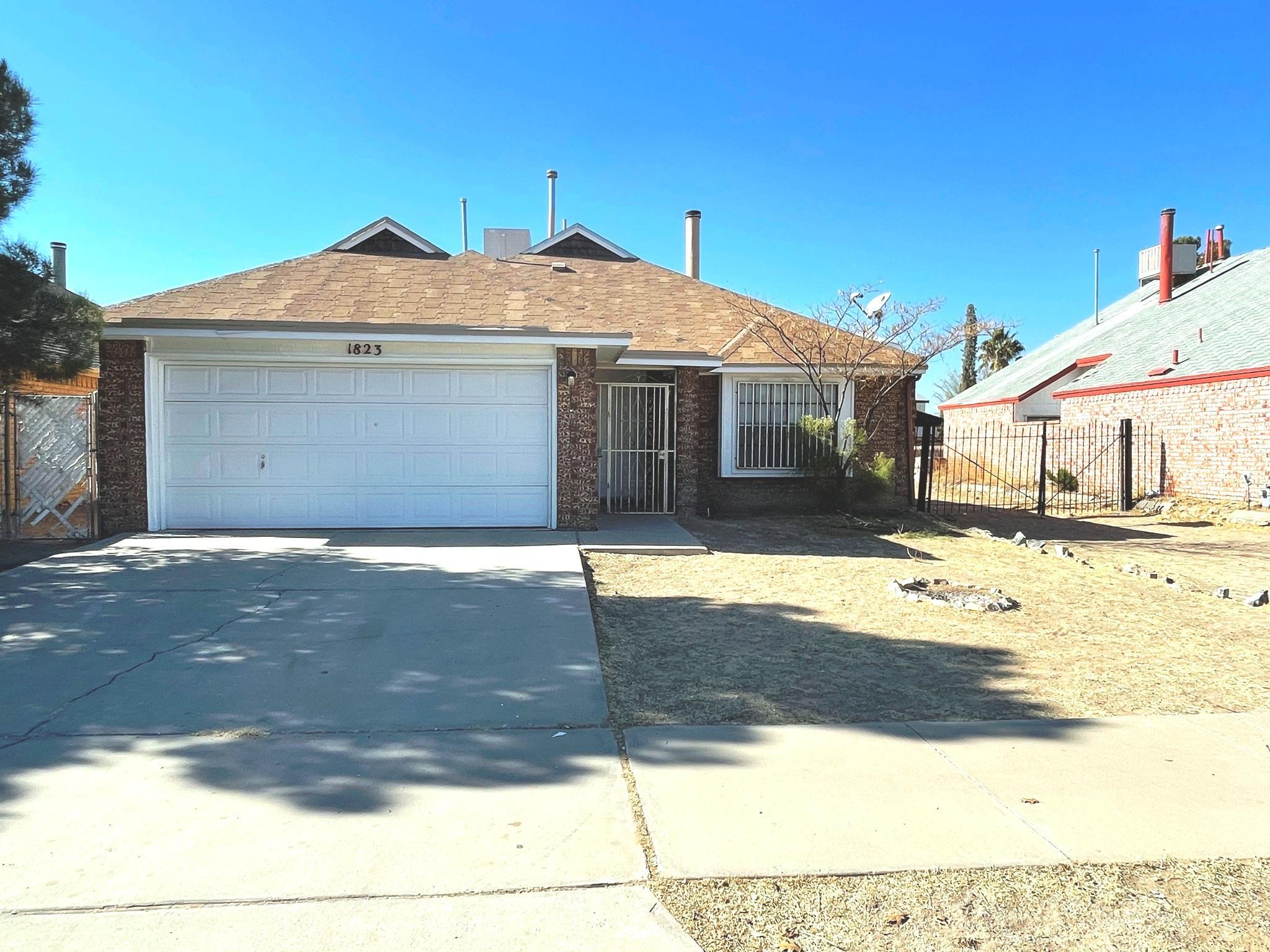 1823 CHRIS SCOTT Drive, El Paso, Texas 79936, 3 Bedrooms Bedrooms, ,2 BathroomsBathrooms,Residential Rental,For Rent,CHRIS SCOTT,839855