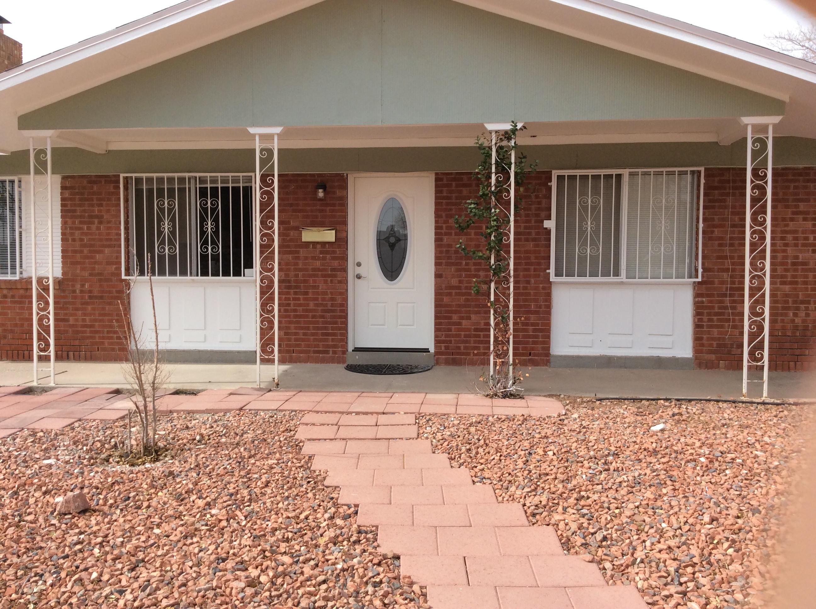 513 De Soto - house front