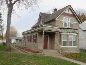 512 BOOTH, LARIMORE, ND 58251