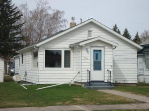 208 5TH AVE, CANDO, ND 58324