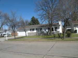 5003 N 4TH AVE, GRAND FORKS, ND 58203