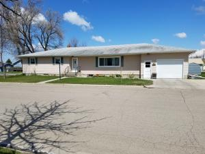 207 3RD ST, CANDO, ND 58324
