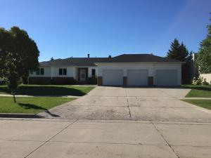 3903 S 13TH AVE, GRAND FORKS, ND 58201