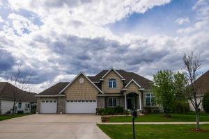 5896 PINEHURST DR, GRAND FORKS, ND 58201
