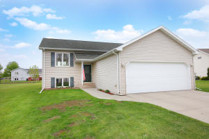 2127 NW PIONEER CT, EAST GRAND FORKS, MN 56721