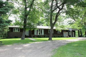 6894 NE 138TH AVE, PARK RIVER, ND 58270
