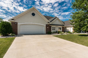 3305 LONGBOW CT, GRAND FORKS, ND 58203