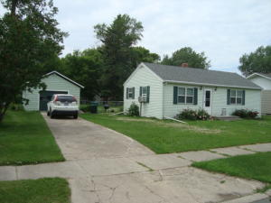 110 3RD AVE, CANDO, ND 58324