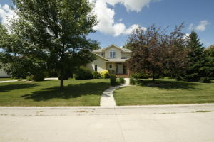 1302 NW 22ND ST, EAST GRAND FORKS, MN 56721