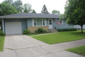 1432 6TH AVENUE NW, EAST GRAND FORKS, MN 56721