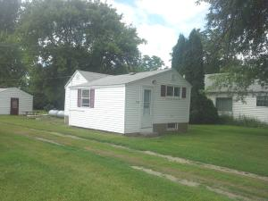 108 FRANKLIN AVE, LARIMORE, ND 58251