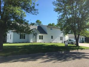 305 13TH ST, CANDO, ND 58324