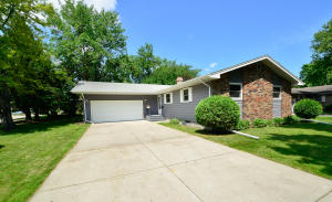 414 S 34TH AVE, GRAND FORKS, ND 58201
