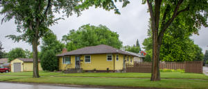 1421 S 11TH ST, GRAND FORKS, ND 58201