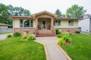 1410 RIDER RD, GRAND FORKS, ND 58201