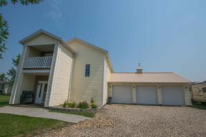 647 Wilson Ave, MINTO, ND 58261