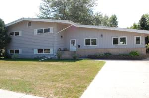 929 NW 17TH ST, EAST GRAND FORKS, MN 56721