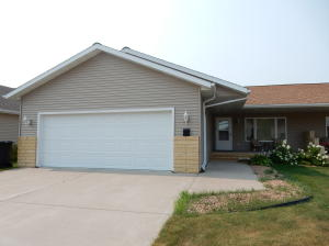5706 DR CYPRESS POINT, GRAND FORKS, ND 58201